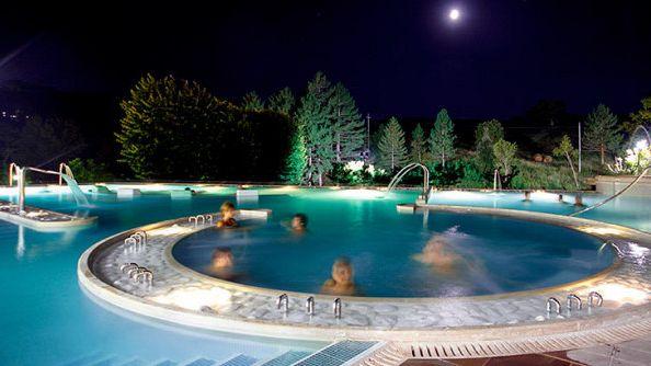 7 terme da fare di notte gogoterme - Alberghi saturnia con piscina termale ...