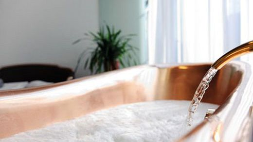 Terme della birra anche in italia si fa il bagno con la bionda gogoterme - 94 si fa in bagno ...