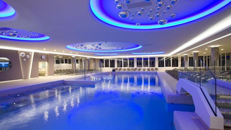 Terme di abano un weekend da sogno gogoterme - Abano terme piscine notturne ...
