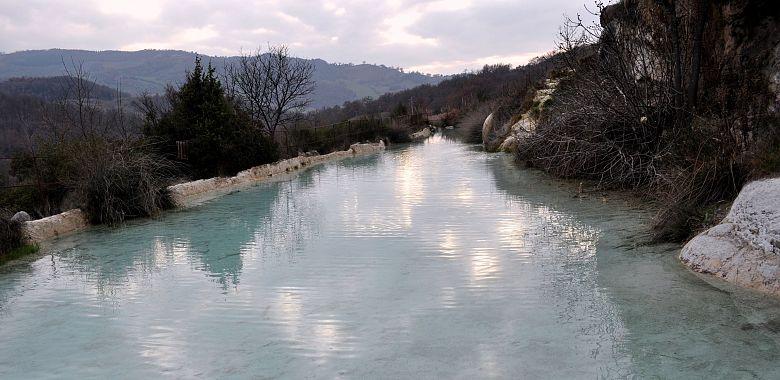 Terme libere di Bagno Vignoni – Parco dei Mulini ♨ GoGoTerme