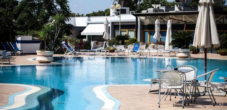 Hotel santa lucia santa cesarea gogoterme - Bagno 19 santa cesarea terme ...